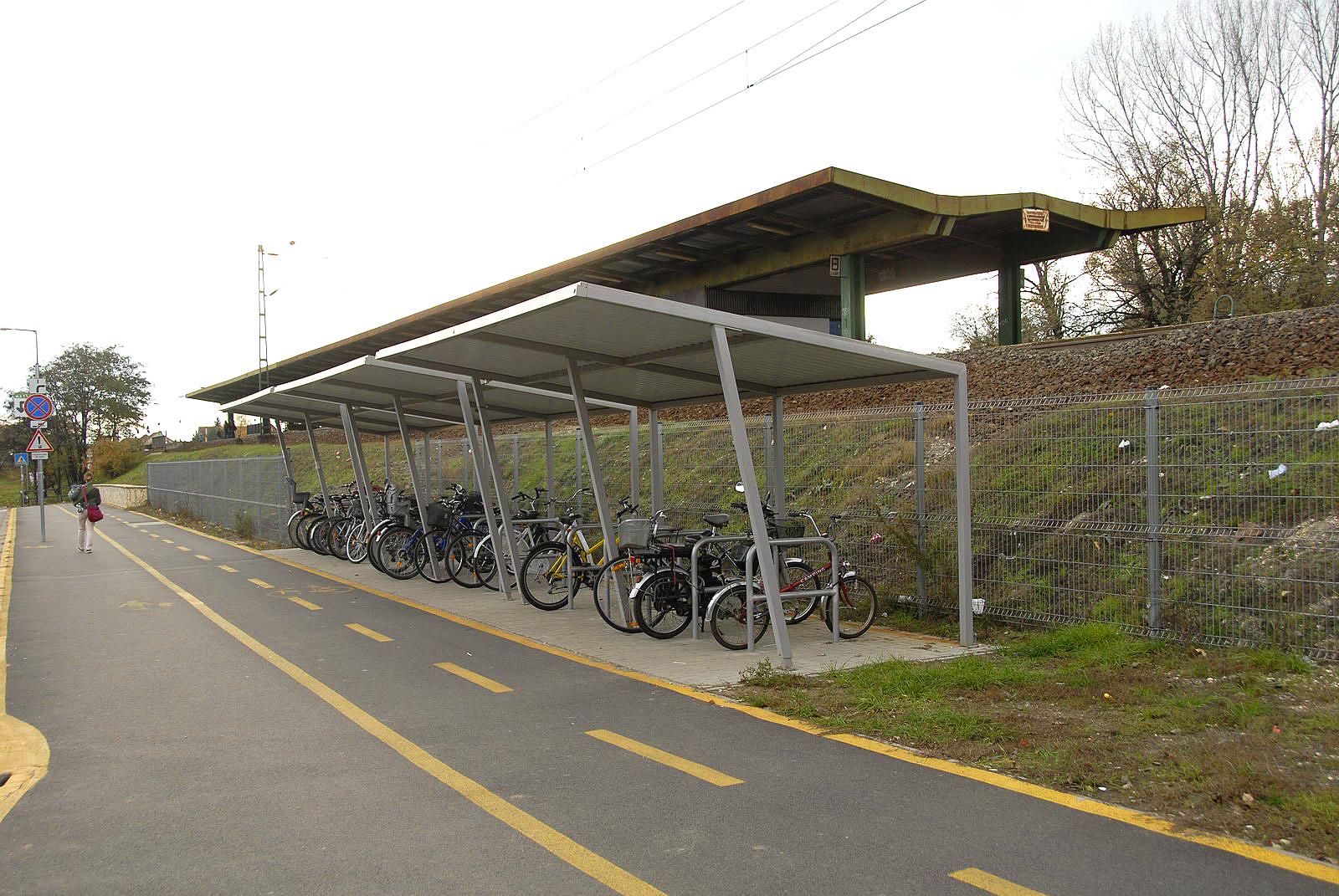 Biciklitarolo_Tábor utca-Klapka utca17