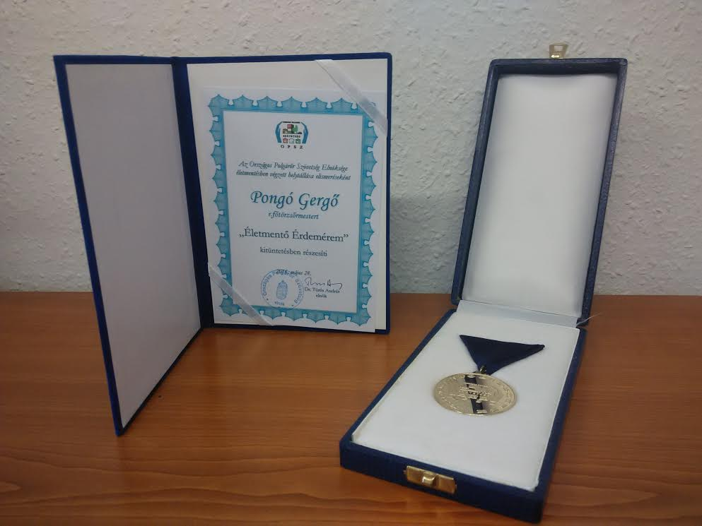rendőr, kitüntetés1